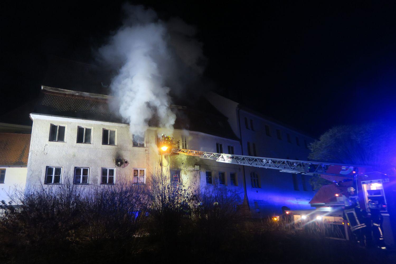 Dank an alle Helfer nach dem Brand im Schloss Emersacker